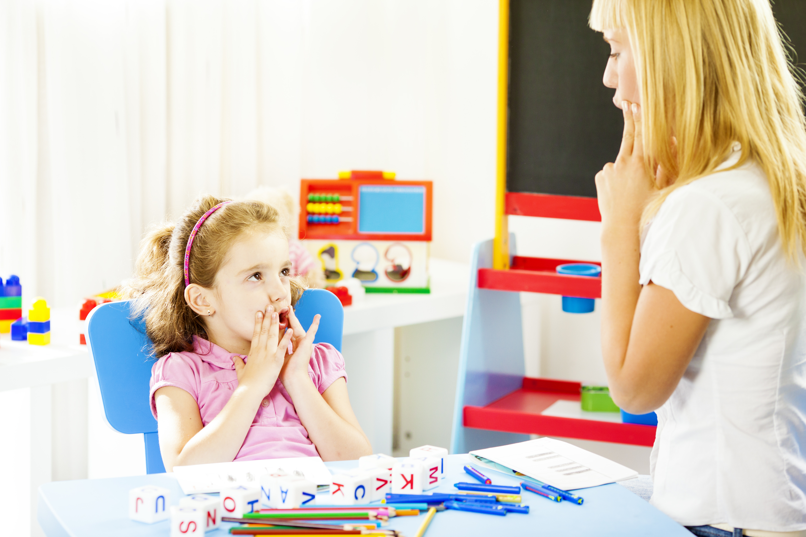 6 Signs Your Child Might Need Pediatric Speech TherapyLittle Steps